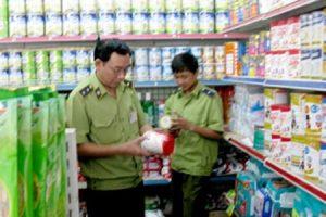 Phát hiện trộn thuốc tránh thai trong sữa bột cho trẻ
